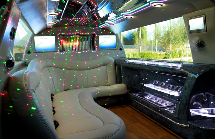 Montreal Limousine Lincoln Navigator SUV Stretch 2012